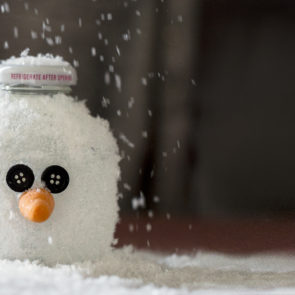 How to Craft a Martinelli's Bottle Snowman