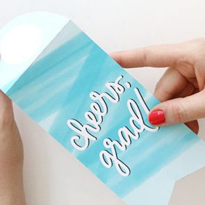 Grad Gift Idea: DIY Printable Bottle Tags