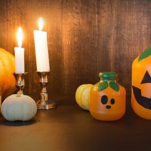 DIY Halloween Decorations: Martinelli's Jack-O-Lanterns