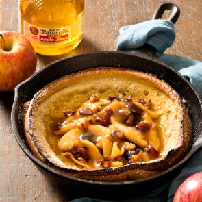 Golden Apple Dutch Baby Pancake